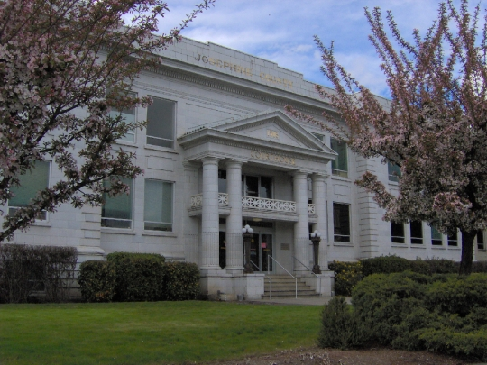 photo of Josephine County Courthouse